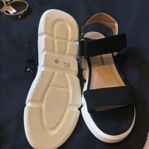 brand new dirty laundry sandals